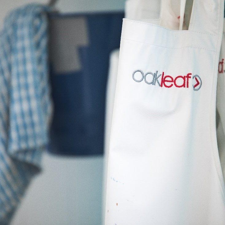 oakleaf apron